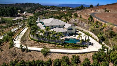 Photo for Luxury Home Near Wine Country
