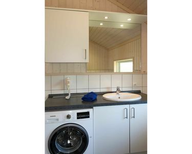 Photo for Cosy apartment for 8 people with WIFI, TV, pets allowed and parking