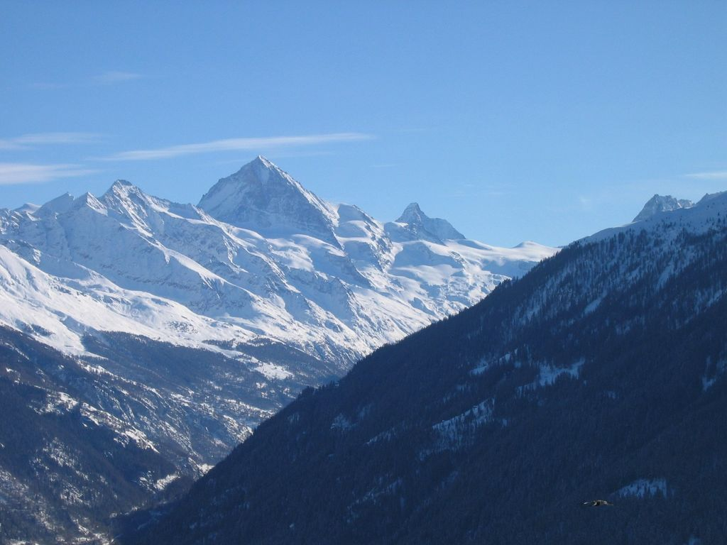Delightful 2 bed apt Inspirational Matterhorn views. Booking Winter 19