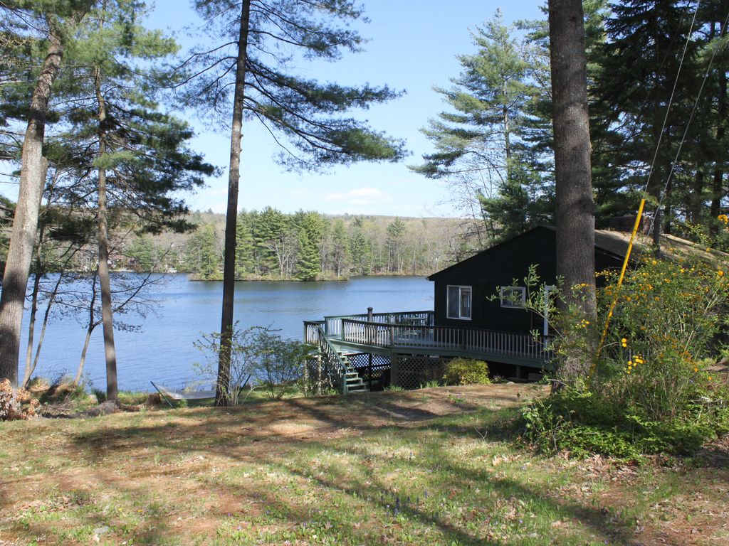 Quiet private lake enjoy boating fishing canoeing for Private fishing lakes