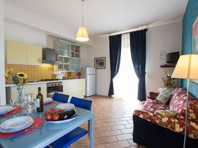 Photo for Apartment for 4 people close to Rapolano Terme. A/C, Wi-Fi and swimming pool