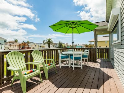 Pet-friendly 'Mermaid Cove' w/ Game Room & Deck - Near Beach