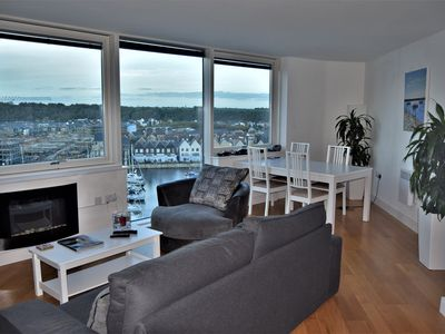 Photo for Beautiful 2 bed apartment with fantastic views