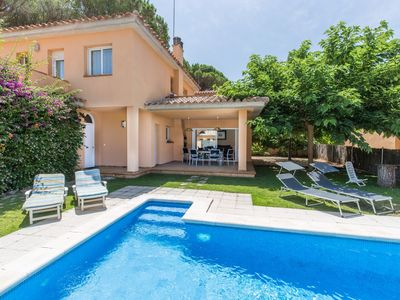 Photo for House with private pool - 400 m Pals Beach (GRS 4H 119)