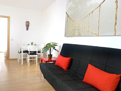Photo for One bedroom Apartment, sleeps 3 in Barcelona with Air Con and WiFi