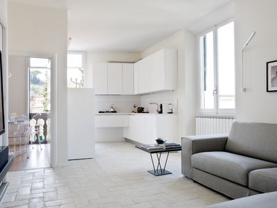 Photo for Sophisticated, spacious apartment a short walk away from the historic centre.