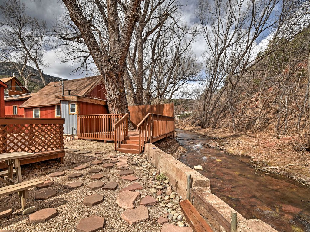 New 1br manitou springs cabin on fountain creek manitou for Cabin rental colorado springs