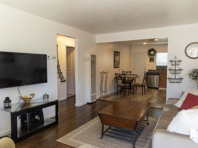 Photo for Charming, 2 Bedroom in Newark