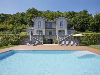 Photo for Villa with pool and lake view
