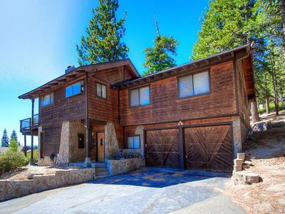 Lake View, Pet Friendly, Perched on the Top of the Hill (IVH0861)