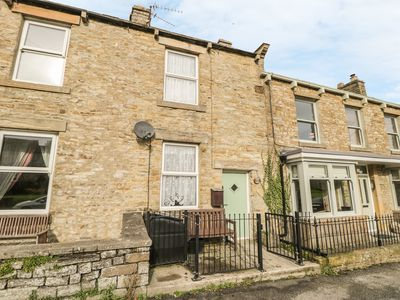 Photo for CHERRY TREE COTTAGE, pet friendly in Aysgarth, Ref 915853