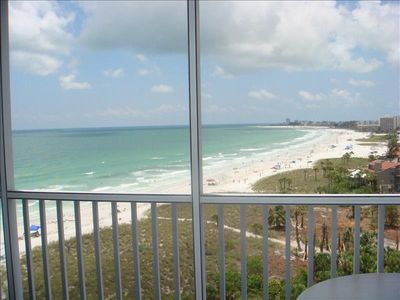 Photo for Beautifully Appointed 2 bedroom Condo with Gulf View!