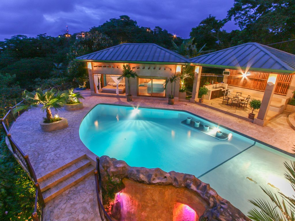 Huge Houses With A Pool luxury 6 br family estate in manuel antonio. - homeaway valle