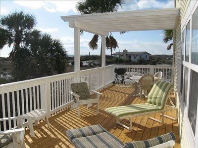 Great, private covered deck for grilling, sunbathing, and watching Gulf sunsets