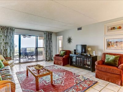 Nicely appointed 1st floor condo, oceanfront with amazing views.  Beach boardwalk, pool & tennis courts.