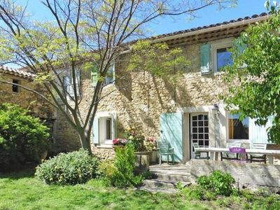 Photo for Semi-detached house, Lourmarin  in Vaucluse - 4 persons, 2 bedrooms