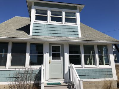 Ocean Park pet friendly cottage. 1 house from beach. Discounted spring rates!