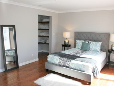Photo for 2bd/3bth - MID-WILSHIRE WAlK TO SHOPS AND DINING!