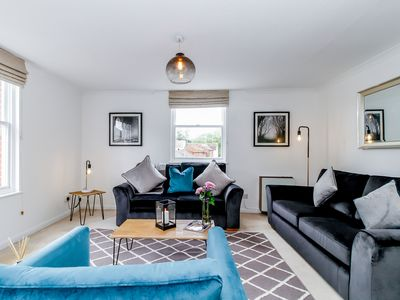 Photo for ★ Stylish Duplex apartment in St Clements, Oxford with roof terrace - sleeps 5 ★