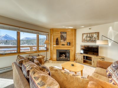 Photo for Charming mountain condo w/amazing mountain views, balcony, grill &shared hot tub
