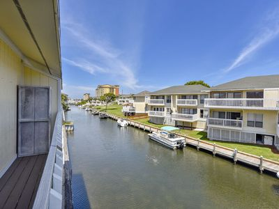Photo for Sandpiper Cove, 4201 - 3night min stay - beach service with an umbrella + 2 chairs