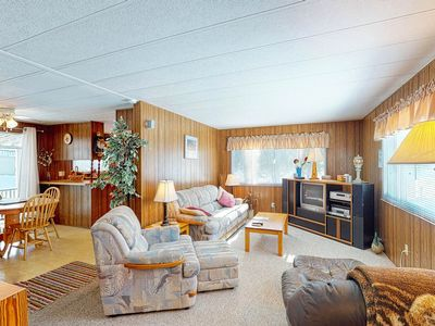 Photo for Dog-friendly cottage w/ full kitchen, deck, & firepit. Close to the beach