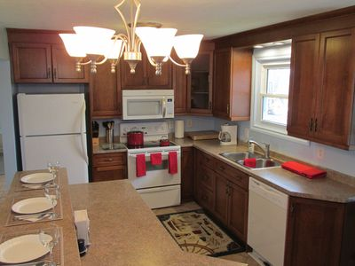 Photo for Lake-View Apartment Near Point Pelee National Park
