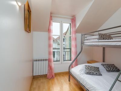 Photo for 2 bedroomed apartment 10 mins from Disneyland Paris