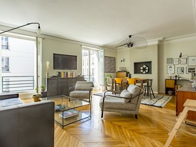 Photo for Deluxe 3BR Apartment with great artwork close to Place de Bastille, by Veeve