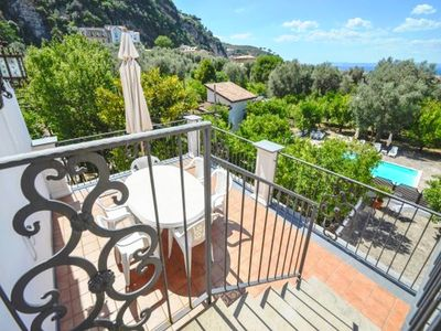 Photo for Centrally located villa with the pool in Sorrento for up to 8/9 people