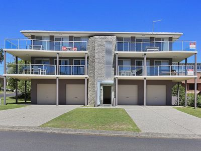 Photo for Banksia Court 4, 4/37 Clarence St