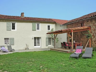 Photo for Beautifully renovated gite in exciting environment with shared pool