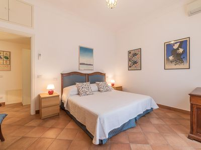 Photo for Monti 4pax Apartment - few steps from Colosseum