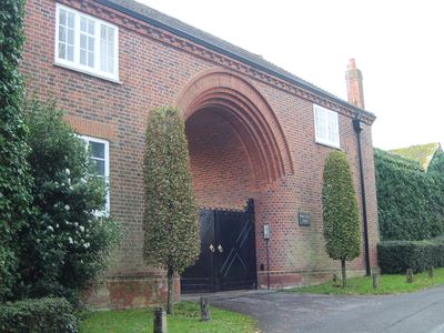 Photo for Detached Luxury Gatehouse In A Quiet Rural Setting