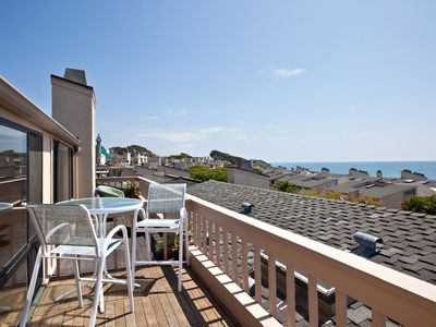 Photo for Just Beachy! 2 BR/2.5BA Oceanview Condo - Seascape Sur #143