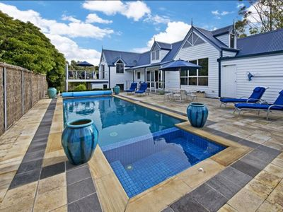 Photo for Hamptons in Sorrento - 600m to town, beach, hotel and ferry