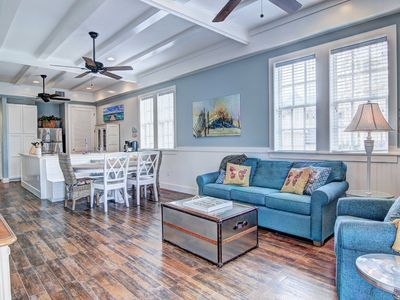 Photo for Bright and sunny, first floor and pet friendly!