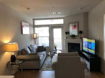 Photo for Upscale and Urban 2+2 Westwood Apartment 3G84