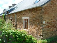 A very quaint and peaceful gite that had everything required for a lovely stay. Ideally situated.