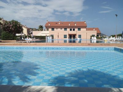 Photo for Holidayblumenriviera-Oltremare, Modern apartment with 2 swimming pools and tennis court