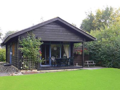 Photo for Log cabin - ideal for 4 people - TV in the bedroom - log cabin