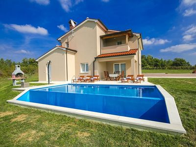 Photo for 3BR Villa Vacation Rental in Skropeti, Istrien