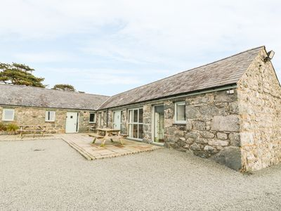 Photo for BWTHYN BACH, pet friendly, with pool in Talybont, Ref 970234