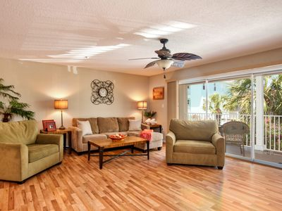 Photo for Spacious, Luxury, On the Beach Condo with Pool and Spa