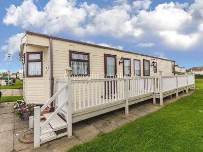 Photo for 6 berth caravan for hire with decking near Mablethorpe - pets ok! ref 38007