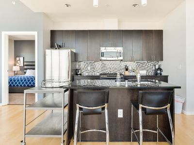 Downtown Lux 2BD1 - Two Bedroom Apartment, Sleeps 4
