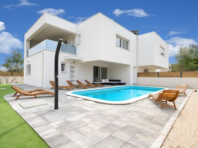 Photo for This 3-bedroom villa for up to 6 guests is located in Vodice and has a private swimming pool, air-co