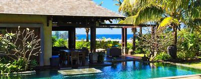 Photo for Exceptional villa, lagoon view, infinity pool, beach, free WIFI