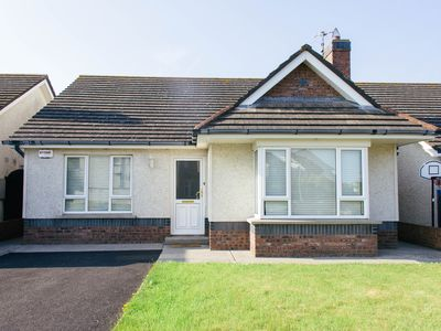 Photo for 3 Bedroom  Bungalow,  close to all local amenities.
