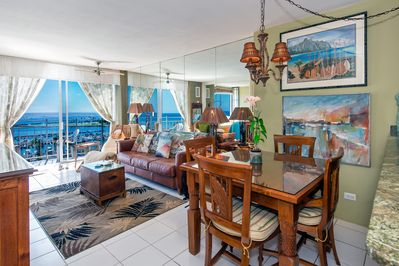 Dining area, Living room with Lanai and ocean beyond